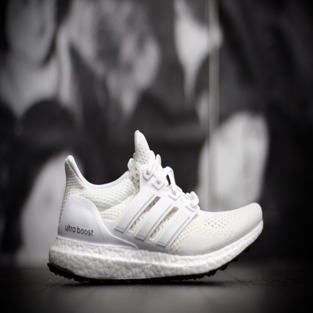 Image of ADIDAS ULTRA BOOST S77416 White/Metallic Silver
