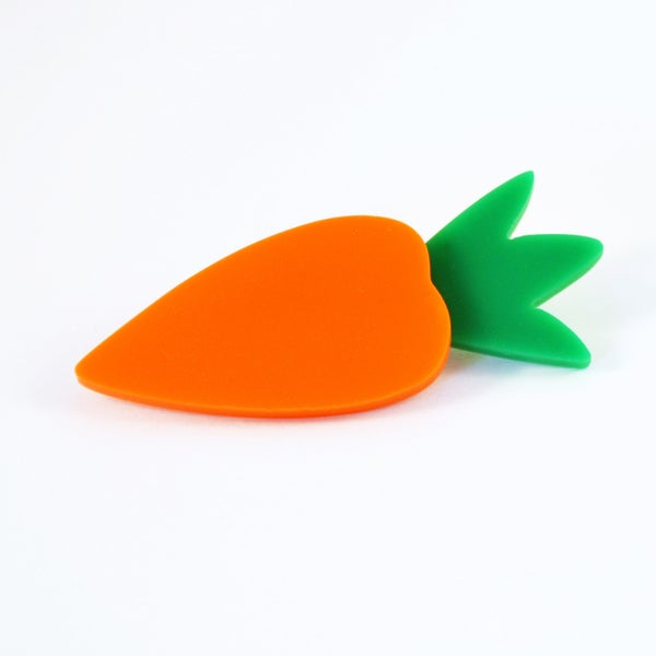 Image of Carrot Brooch and Cauliflower brooch