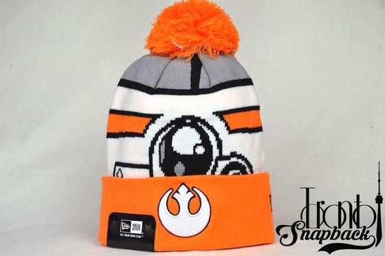 Image of STAR WARS GALACTIC BIGGIE HERO DROID BEANIE