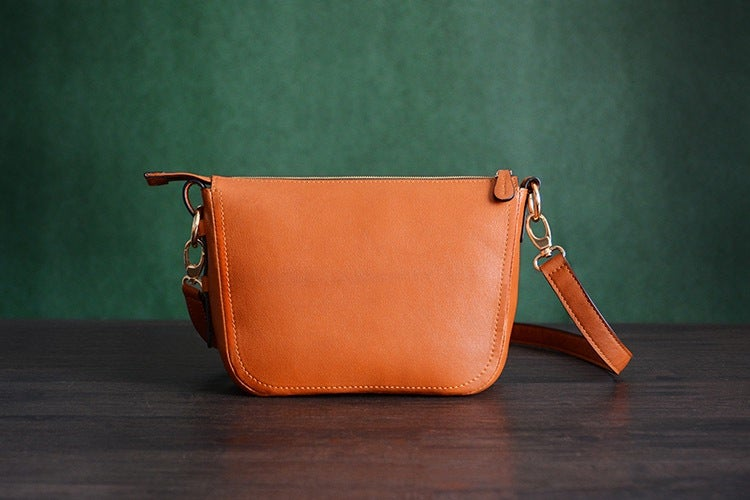 Image of Custom Handmade Itanlian Vegetable Tanned Leather Messenger Shoulder Bag Men Satchel Bag D032