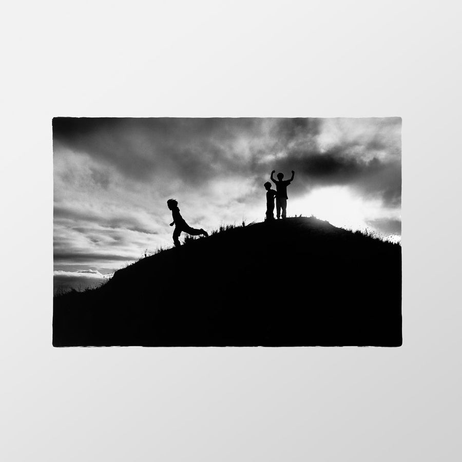 Image of Children playing the sand dunes, Killarney, 1998 – Limited edition of 100