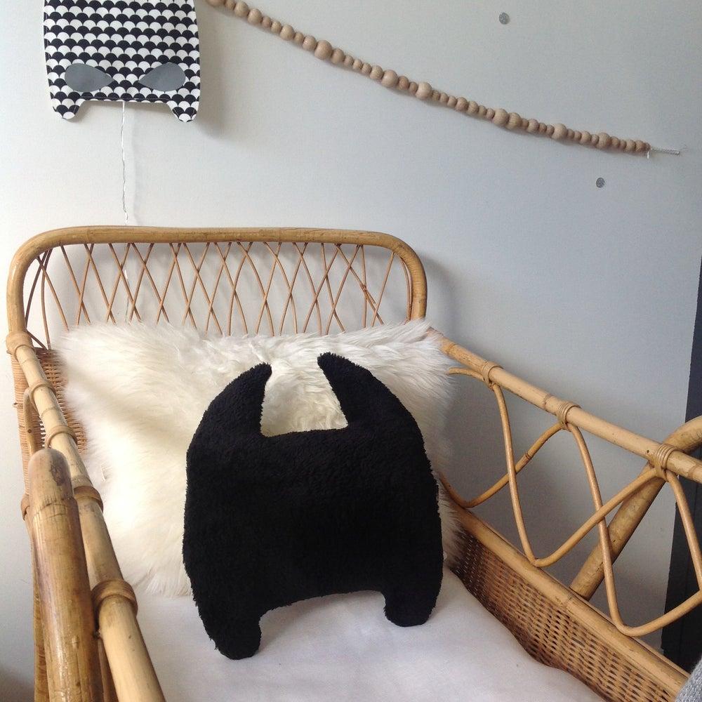 Image of Bat coussin noir et blanc