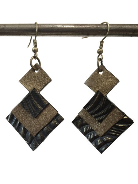 Image of Black/gold leather diamonds earrings