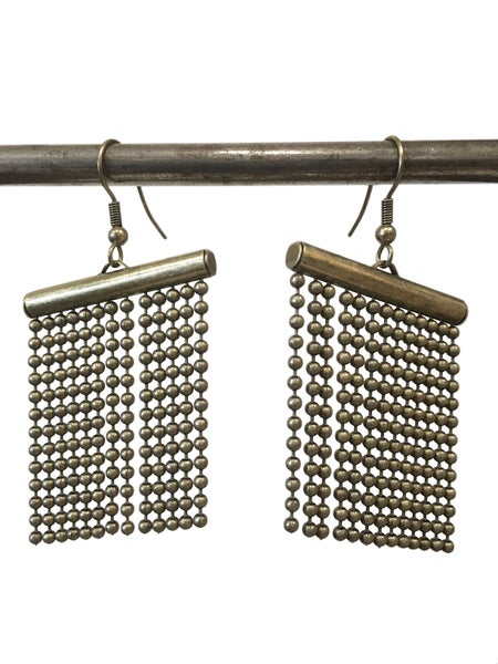 Image of Pearl fountain earrings