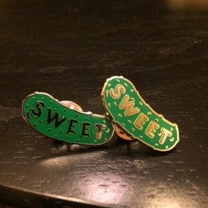 Image of Gold pin