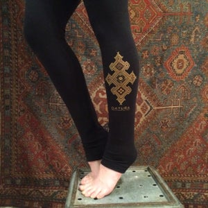 "Image of ""Datura Henna"" Thick Leggings"