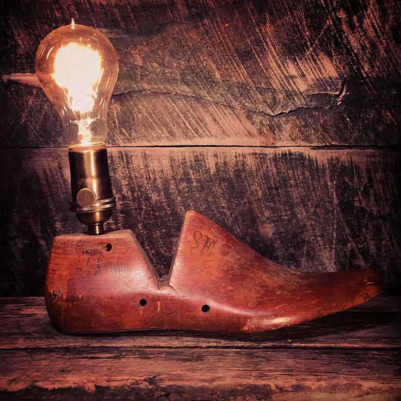 Image of Cobbler's Shoe Mold Lamp