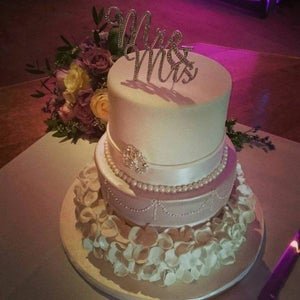 Image of Two day wedding cake masterclass. March 5th and 6th 2016