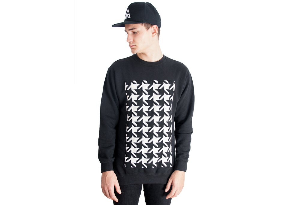 Image of DISTRICT Crew neck sweater