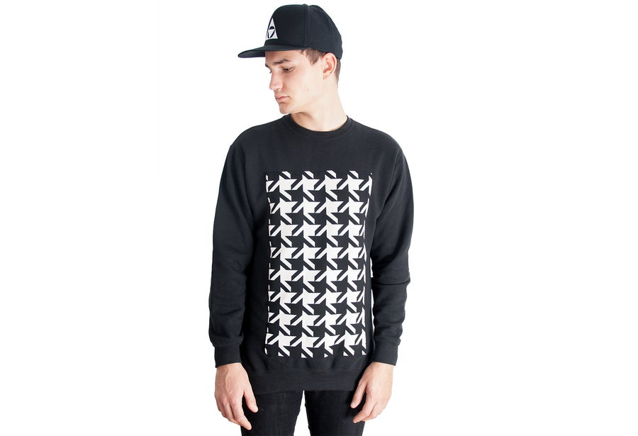 Image of DISTRICT Crew neck sweater