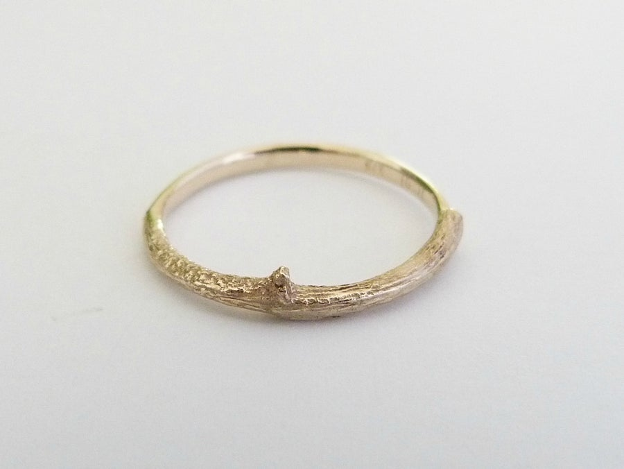 Image of The Botanist Ring - 9ct Yellow Gold