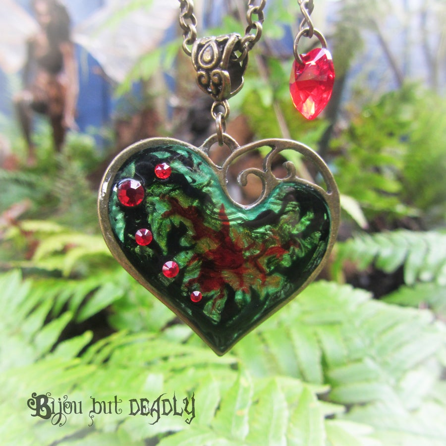 Image of Poison Ivy Lazy Heart Bronze Pendant
