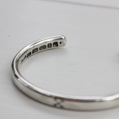 Image of men's arrow bangle (heavy weight)