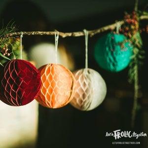 Image of Cool Honeycomb Balls Set