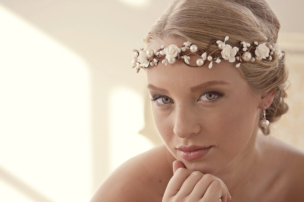 Image of Wedding flower crown with chunky pearls and ivory flowers