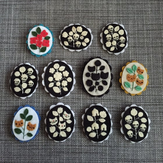 Image of cameo brooches // fourth edition (portraits)