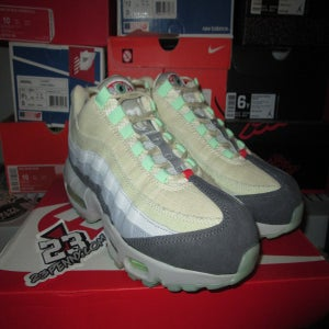 "Image of Air Max 95 QS ""Halloween"" *PRE-OWNED*"