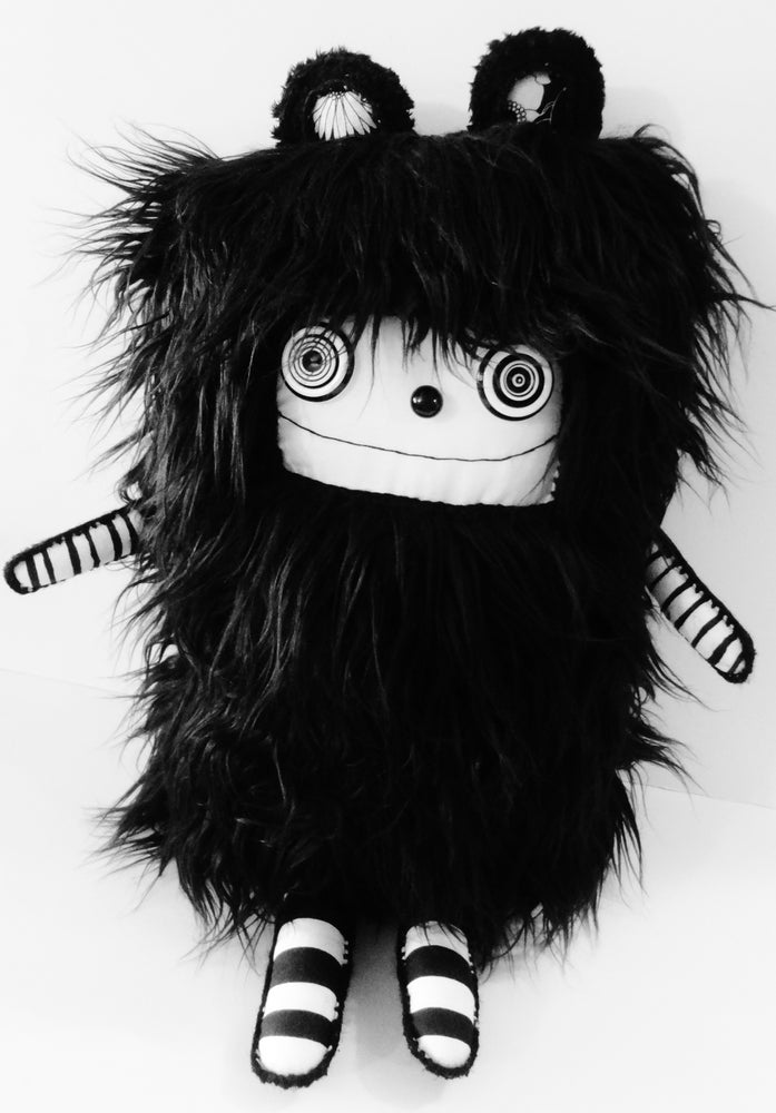 Image of pOlkadOttydOLL - PLUSh ARt dOLL - BLACk