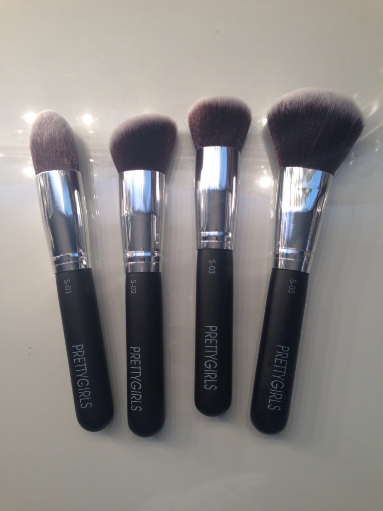 Image of PRETTY FLAWLESS 4- PIECE BRUSH SET - Classic Black