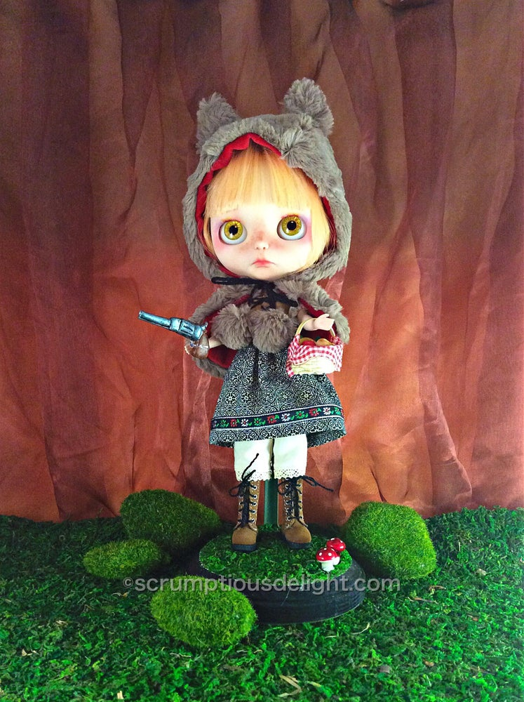Image of OOAK Takara Custom Blythe Doll by Scrumptious Delight: Date w/ Blythe Auction