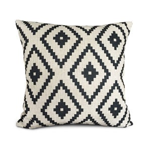 Image of Pillowcase: ZigZag Black and White
