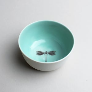 Image of roundie bowl in aqua with dragonfly