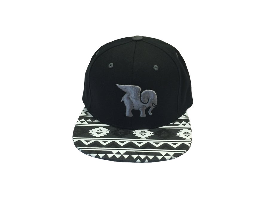 "Image of ""Aztlan"" Iconic Snapback in Black"