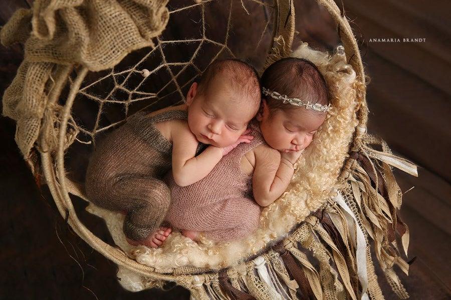 Image of Nest of Curls Blanket - MORNING LATTE