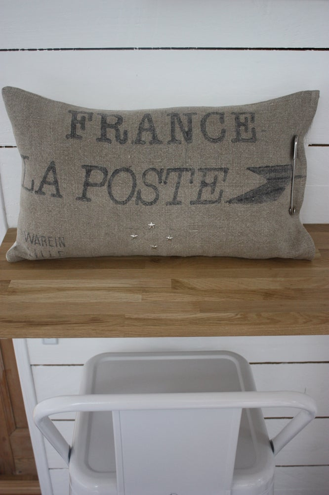 Image of Coussin reversible Chanvre et toile postale.