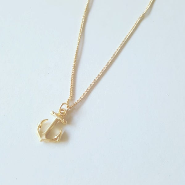 Image of gold or silver anchor necklace