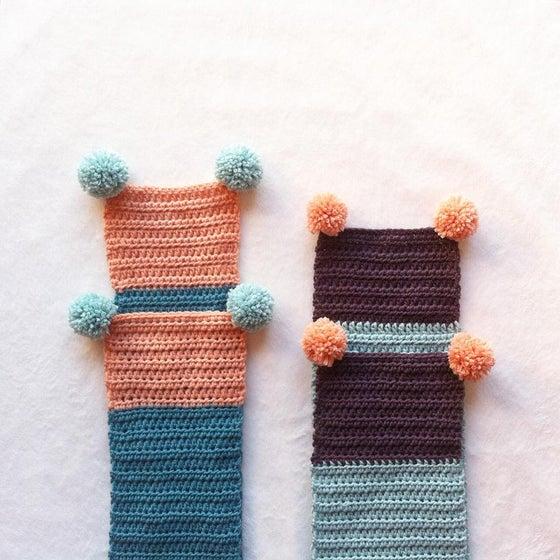 Image of Crochet Scarf / Bufanda -pompón duo-