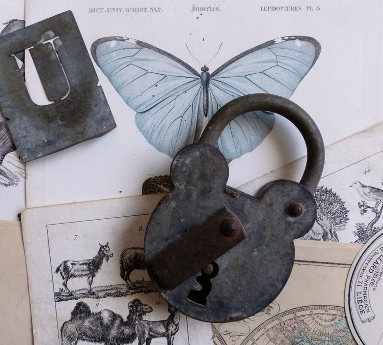 """Image of Ancien cadenas """"ours"""" en zinc"""