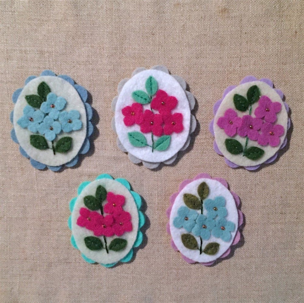 Image of cameo brooches // flower edition