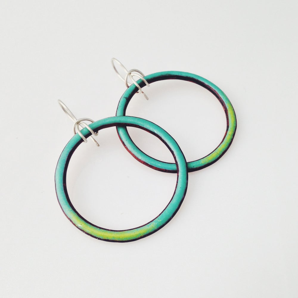 Image of looper 1.5 earrings