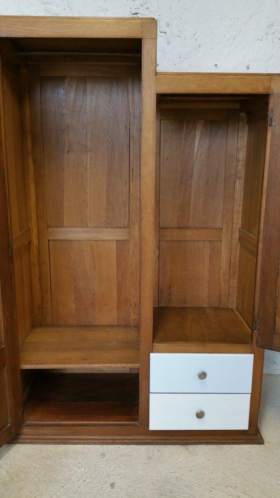 Image of Grande armoire asymétrique en chêne