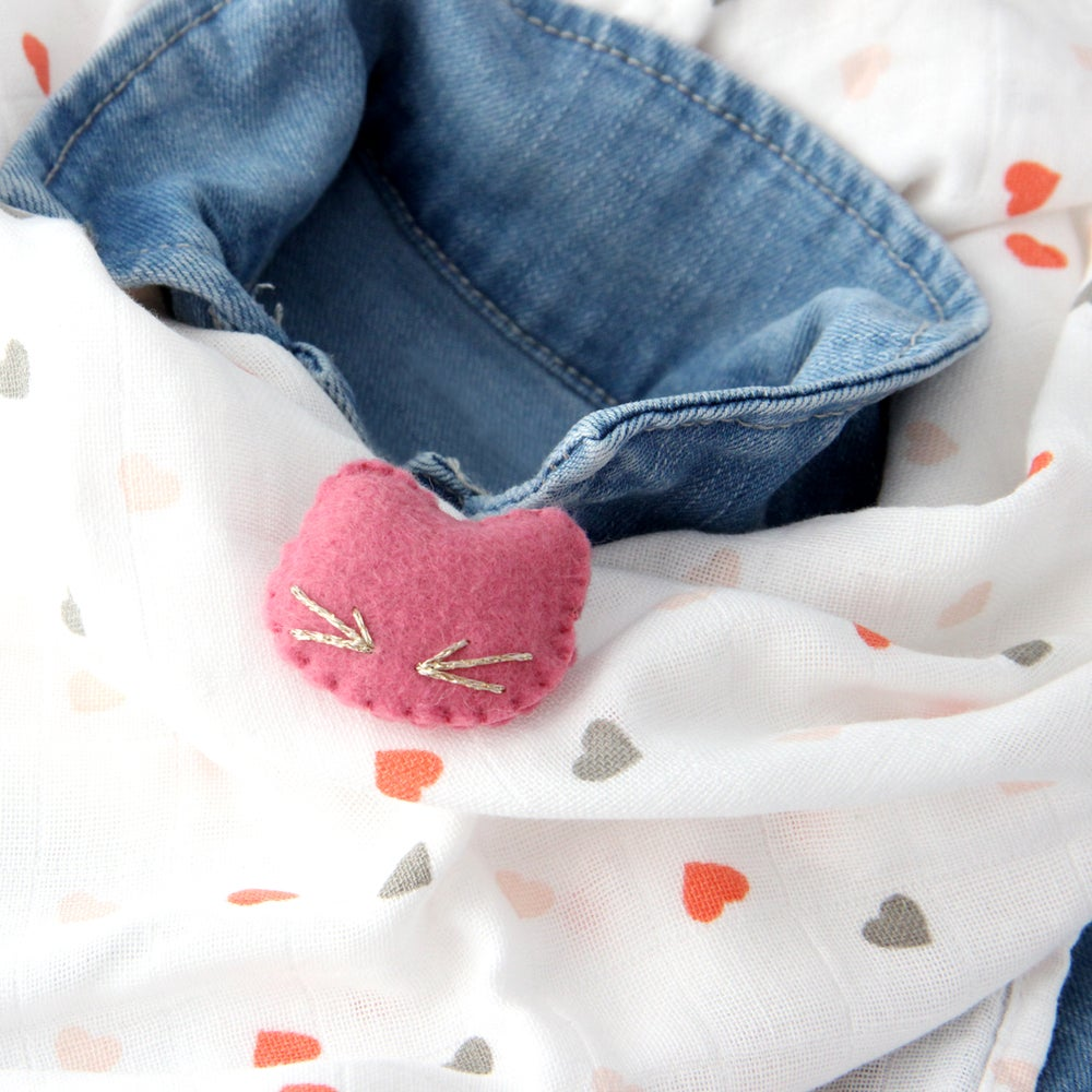 "Image of Broche ""Mon petit chat"""