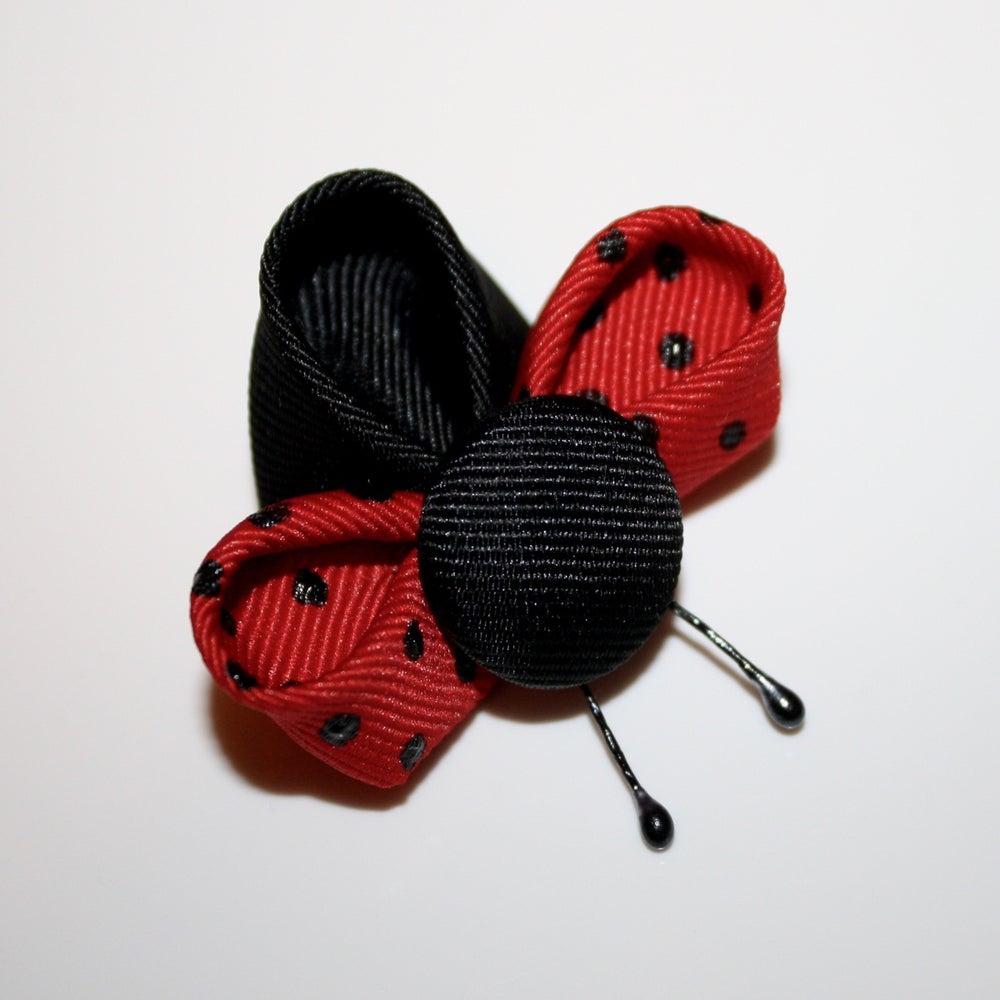 Image of Kanzashi Ladybugs Tutorial