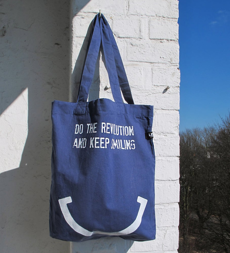 Image of DO THE REVOLUTION AND KEEP SMILING - Tasche blaugrau
