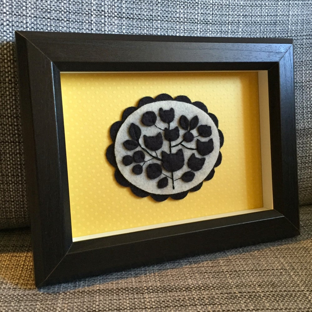 Image of black cats cameo shadowbox
