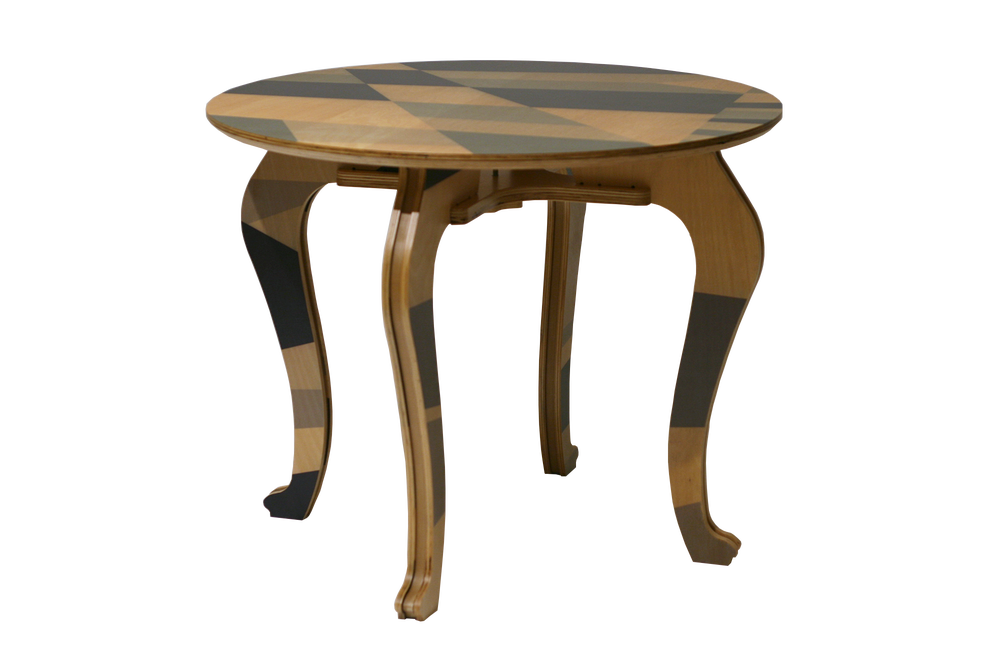 Image of Q - Dazzled table