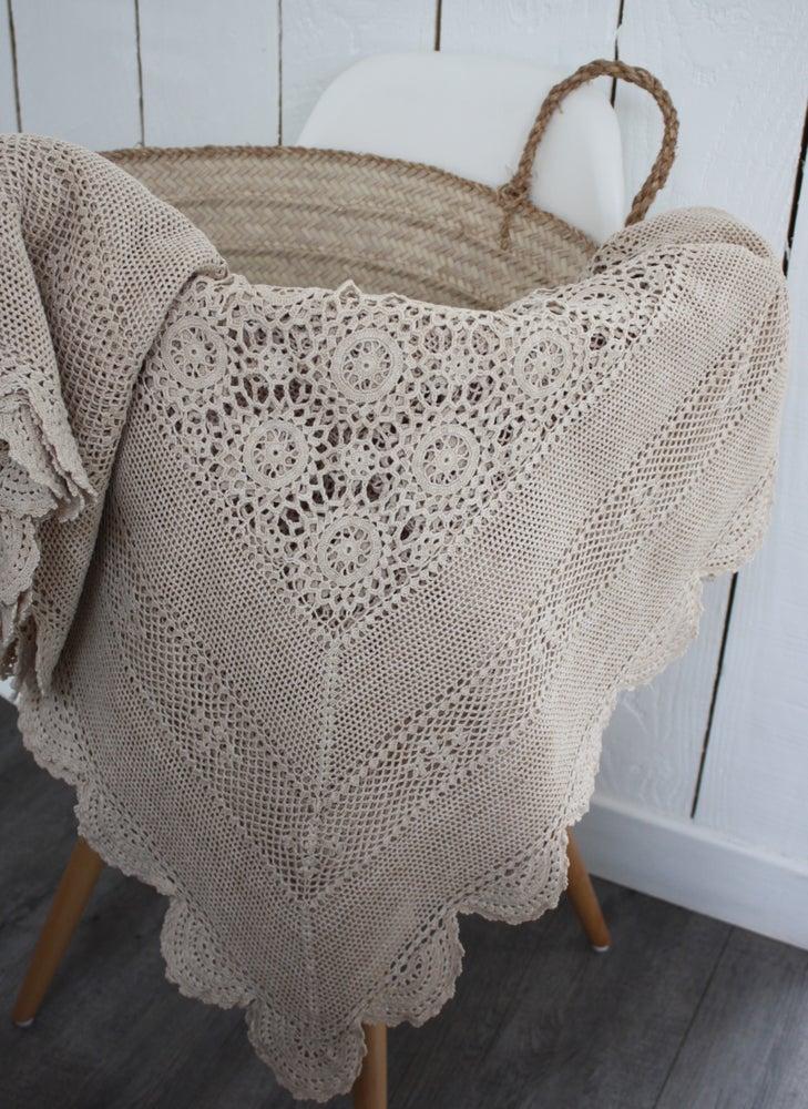 Image of Grand plaid au crochet.