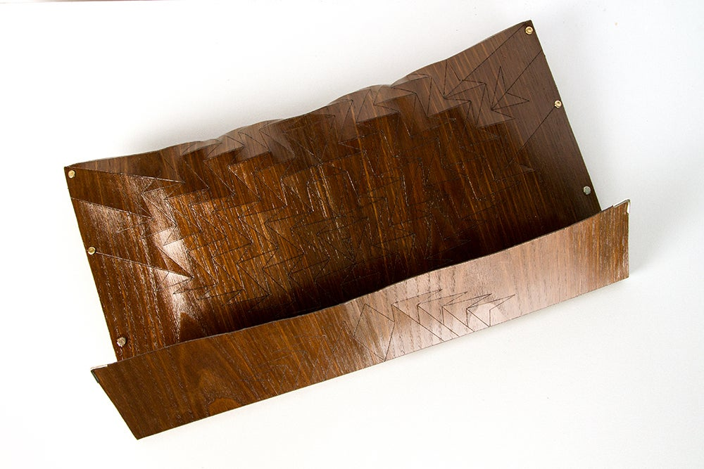 Image of Clutch in wood - Aztec size L - color brown