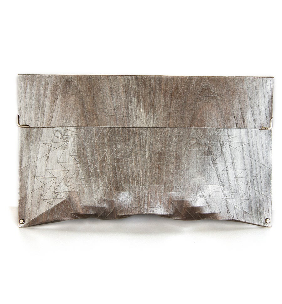 Image of Clutch in wood - Aztec size L - color silver