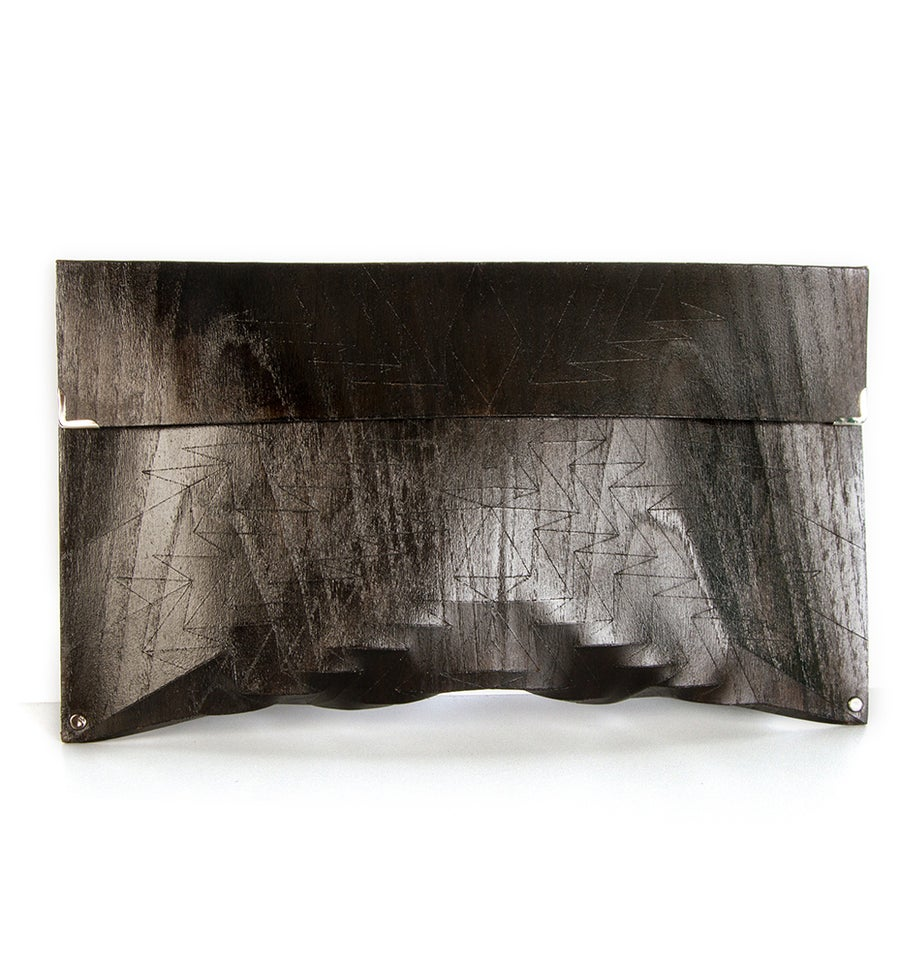 Image of Clutch in wood - Aztec size L - color black