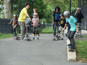 Image of skateboarding group classes