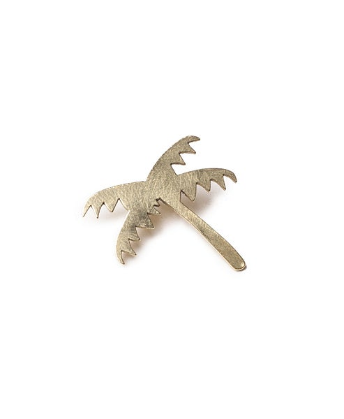 Image of palm tree pin