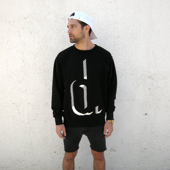 "Image of ""crew"" neck"