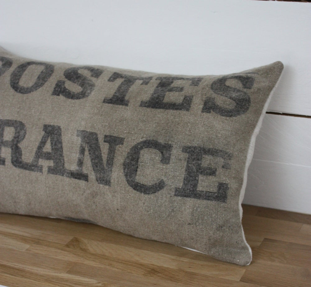 Image of Coussin Poste France rectangulaire.