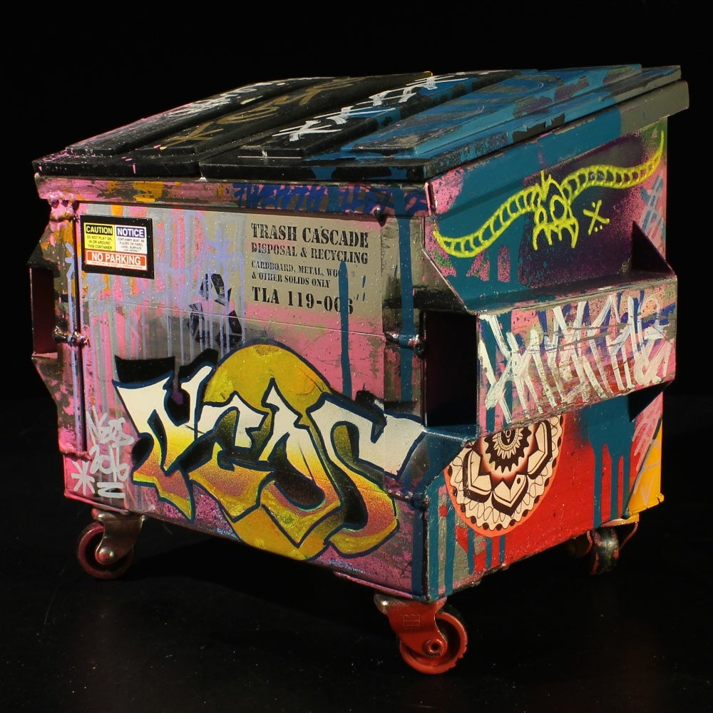 Image of Miss Pink Desktop Dumpster