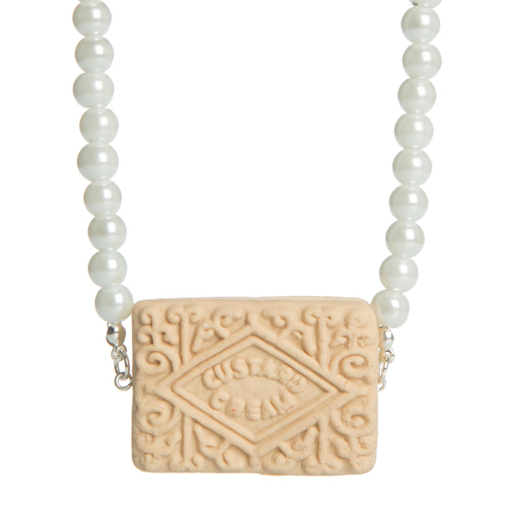 Image of Custard Cream & Pearls
